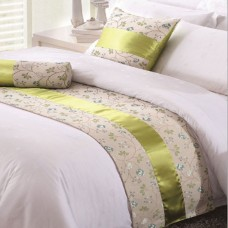 Flower Style Hotel Bed Runner and Cushion Set